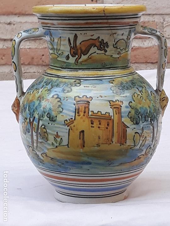 JARRA ANTIGUA DE DOS ASAS DE TALAVERA DE LA REINA - FIRMADA: MONTEMAYOR. (Antigüedades - Porcelanas y Cerámicas - Talavera)