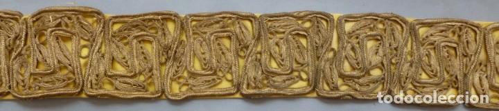 Antigüedades: ANTIGUO GALÓN - AGREMÁN METÁLICO ORO S.XIX - Foto 4 - 172023284