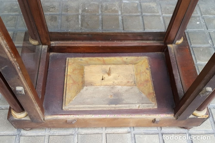 Antigüedades: CAPILLA PARA IMAGEN. MADERA DE CAOBA. ESTILO ISABELINO. ESPAÑA. SIGLO XIX. - Foto 7 - 213444046