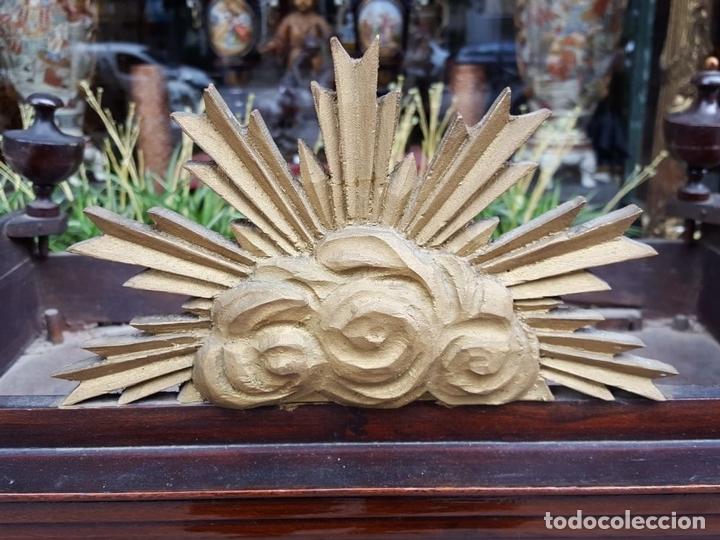 Antigüedades: CAPILLA PARA IMAGEN. MADERA DE CAOBA. ESTILO ISABELINO. ESPAÑA. SIGLO XIX. - Foto 10 - 213444046