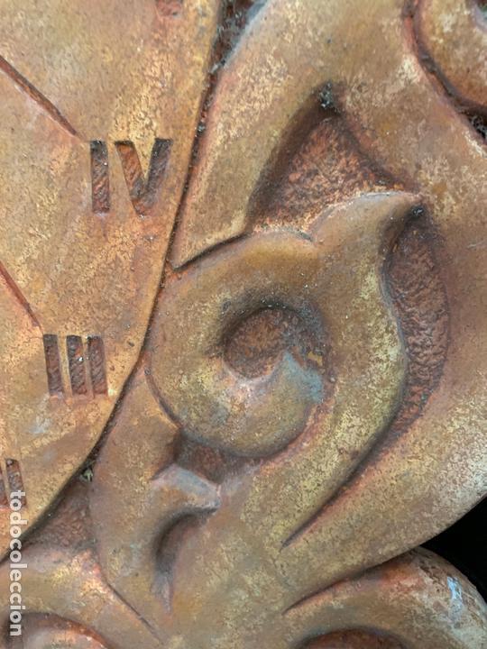 Antigüedades: Excepcional reloj de sol en terracota. gran tamaño, firmado. 64cms altura x 58cms ancho y 3cm grosor - Foto 6 - 172054499