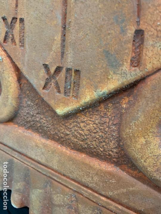 Antigüedades: Excepcional reloj de sol en terracota. gran tamaño, firmado. 64cms altura x 58cms ancho y 3cm grosor - Foto 11 - 172054499