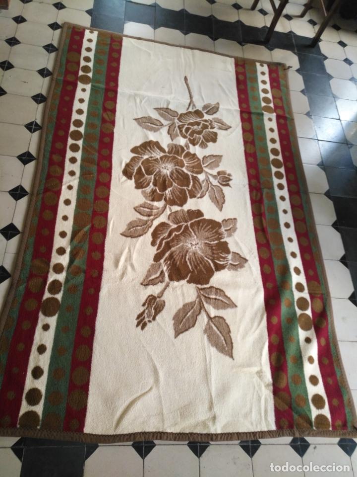 Antigüedades: antigua colcha manta de invierno para cama - floral reversible 225x147 cm - Foto 3 - 172068574