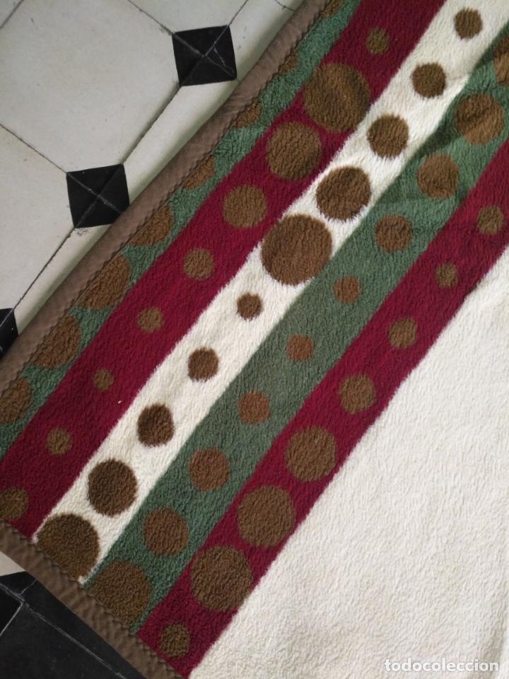 Antigüedades: antigua colcha manta de invierno para cama - floral reversible 225x147 cm - Foto 4 - 172068574