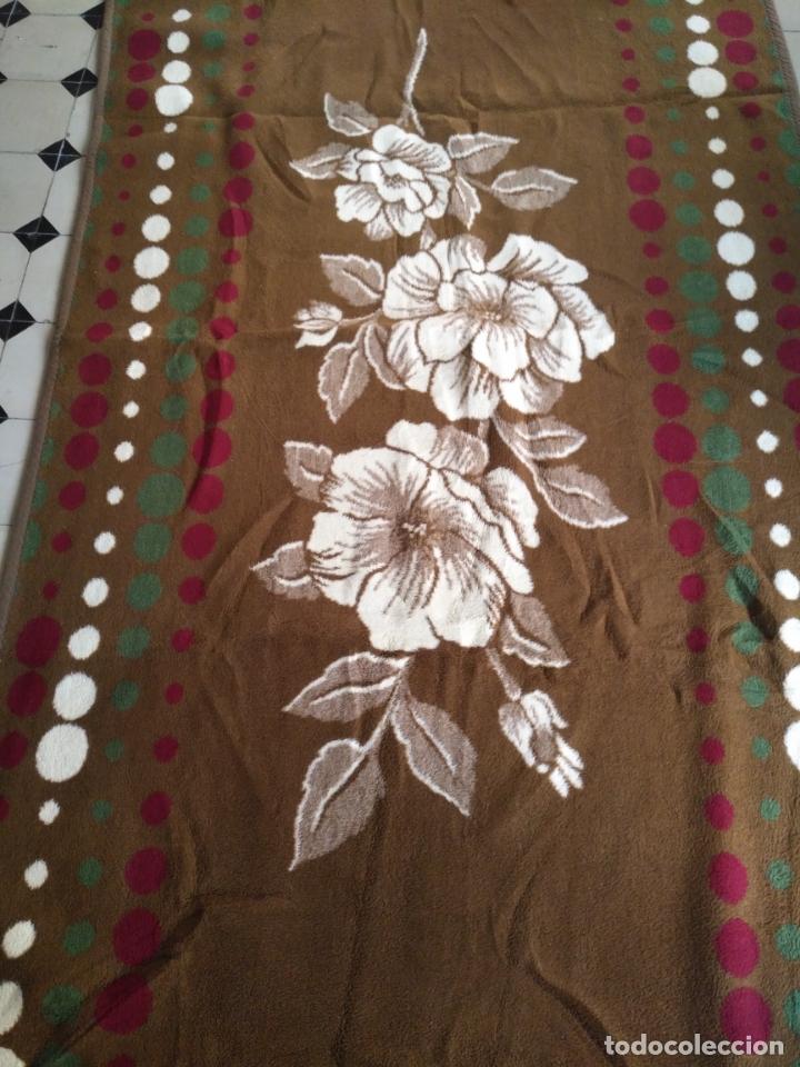 Antigüedades: antigua colcha manta de invierno para cama - floral reversible 225x147 cm - Foto 7 - 172068574