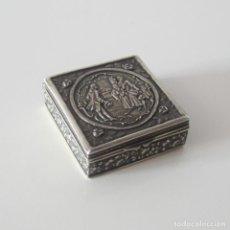 Antigüedades: CAJITA PASTILLERO DE PLATA DE LEY CON CONTRASTE DE ESTRELLA. Lote 172085105
