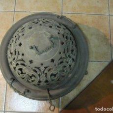 Antigüedades: CENTENARIO BRASERO DE BRONCE CON SOPORTE DE HIERRO. Lote 172154969