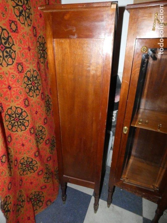 Antigüedades: Pareja de muebles vitrina con cristal biselado. miden 143,30 fondo,35 frente. cerraduras y llave - Foto 2 - 172156795