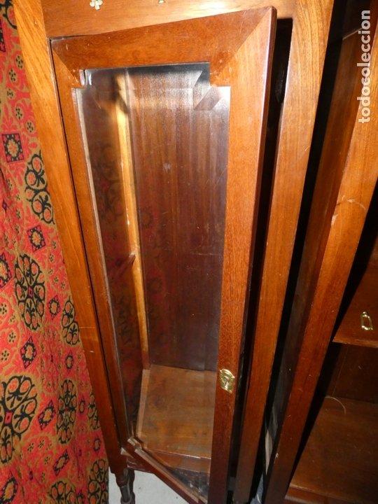 Antigüedades: Pareja de muebles vitrina con cristal biselado. miden 143,30 fondo,35 frente. cerraduras y llave - Foto 3 - 172156795