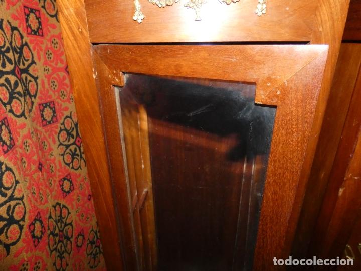 Antigüedades: Pareja de muebles vitrina con cristal biselado. miden 143,30 fondo,35 frente. cerraduras y llave - Foto 4 - 172156795