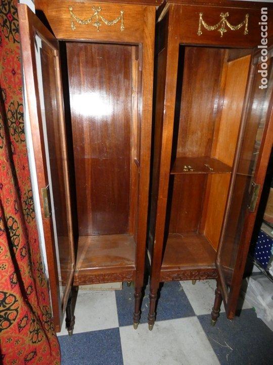 Antigüedades: Pareja de muebles vitrina con cristal biselado. miden 143,30 fondo,35 frente. cerraduras y llave - Foto 6 - 172156795