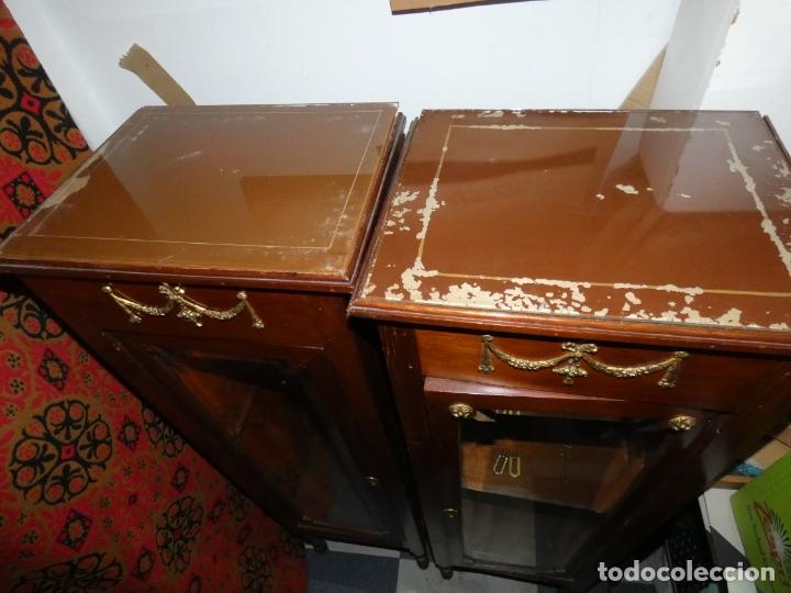 Antigüedades: Pareja de muebles vitrina con cristal biselado. miden 143,30 fondo,35 frente. cerraduras y llave - Foto 7 - 172156795