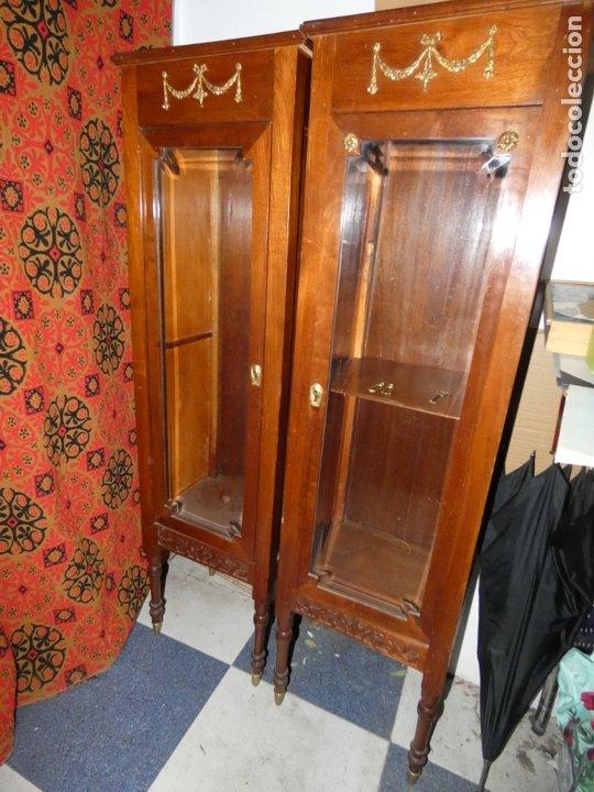 Antigüedades: Pareja de muebles vitrina con cristal biselado. miden 143,30 fondo,35 frente. cerraduras y llave - Foto 10 - 172156795
