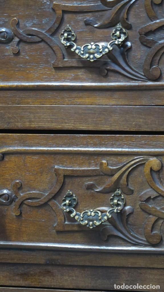 Antigüedades: ANTIGUA COMODA DE MADERA TALLADA. NOGAL Y ROBLE. AÑOS 30 - Foto 2 - 172214407