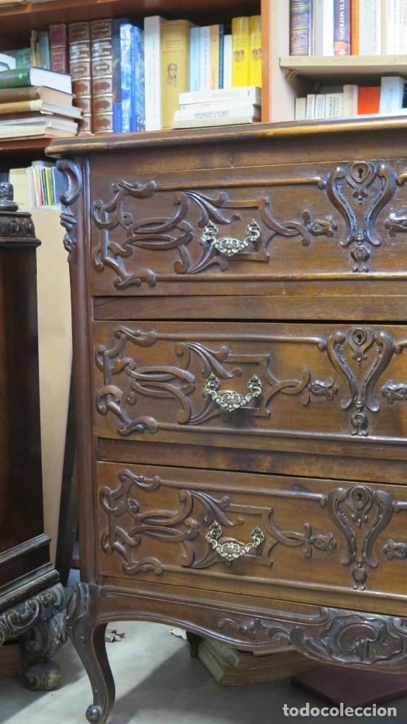 Antigüedades: ANTIGUA COMODA DE MADERA TALLADA. NOGAL Y ROBLE. AÑOS 30 - Foto 6 - 172214407