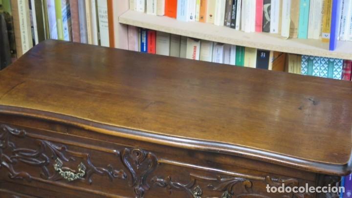 Antigüedades: ANTIGUA COMODA DE MADERA TALLADA. NOGAL Y ROBLE. AÑOS 30 - Foto 9 - 172214407