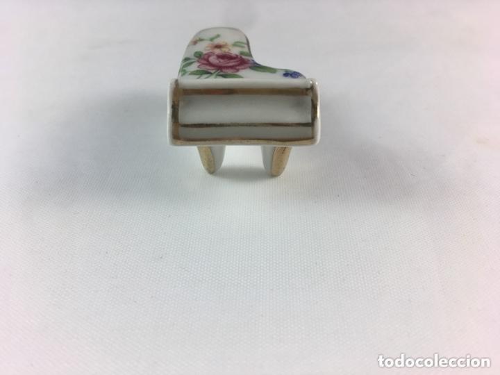 Antigüedades: Piano limoges france porcelana ideal para casa de muñecas miniatura-(19237) - Foto 2 - 172228289