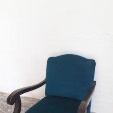 Antiguidades: SILLON ANTIGUO AZUL. Lote 172228487