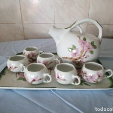 Antigüedades: ANTIGUO JUEGO DE CAFÉ DE PORCELANA LIMOGES FRANCE ,FIRMADO JOELLE SEPTEMBRE. Lote 172251044