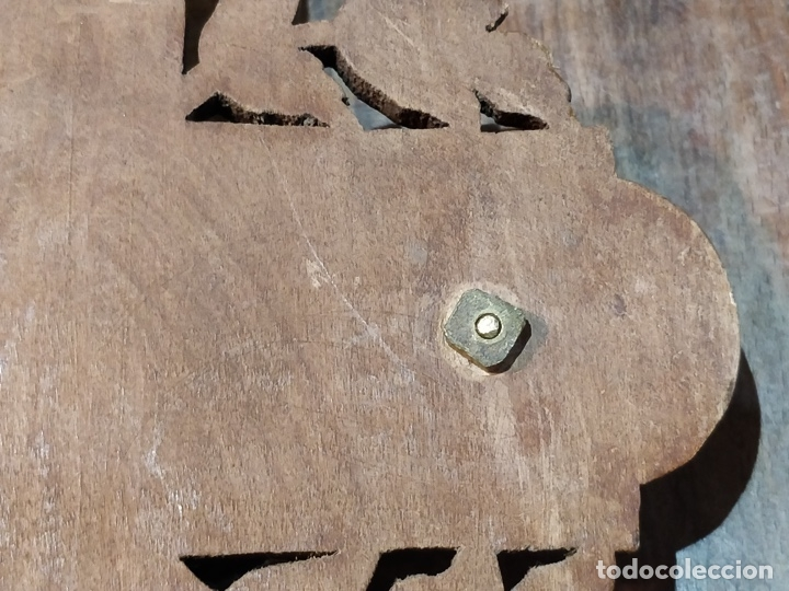 Antigüedades: Antiguo Cristo de Bronce patinado sobre cruz de madera - 40.5 x 18cm - Foto 10 - 172275917