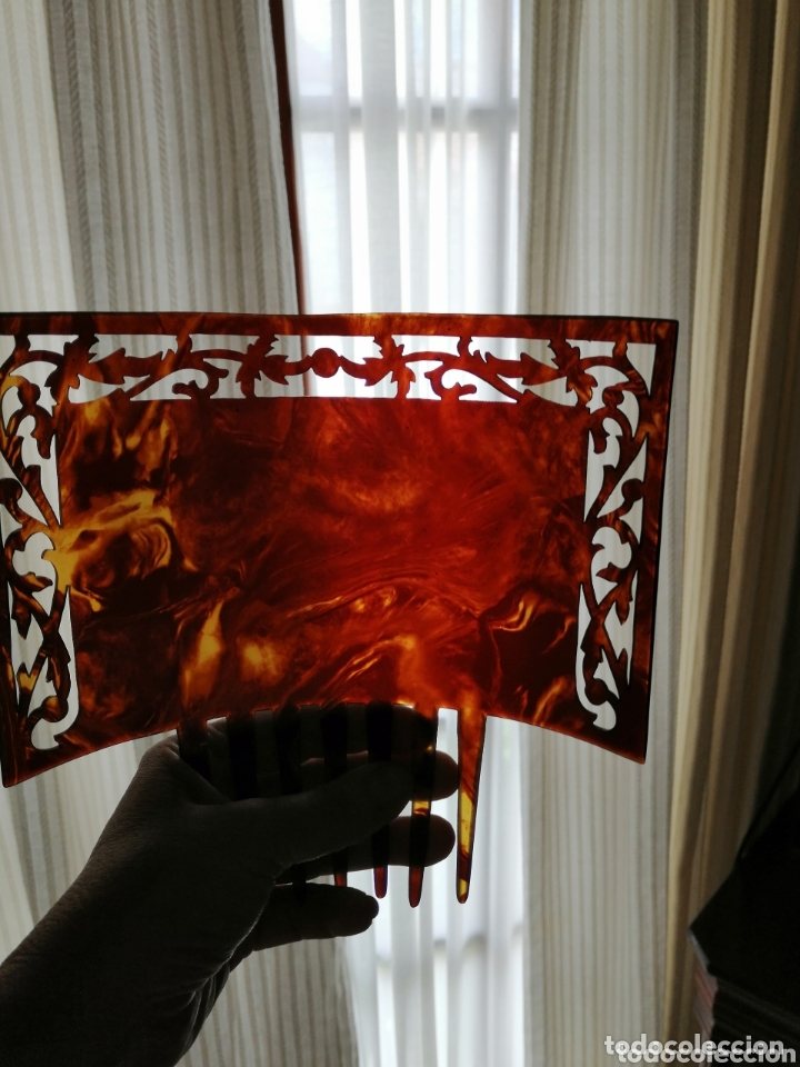 Antigüedades: Peineta modernista tallada a mano. 1920 - Foto 2 - 172289585
