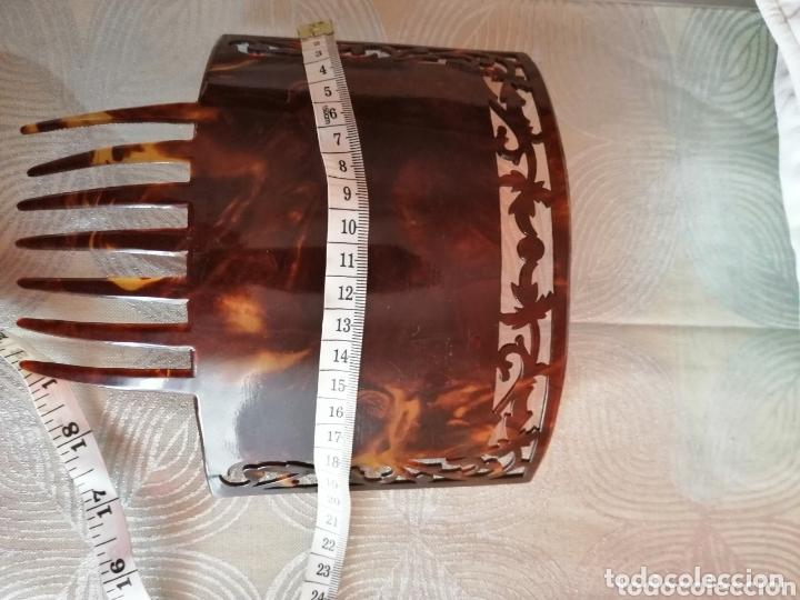 Antigüedades: Peineta modernista tallada a mano. 1920 - Foto 3 - 172289585