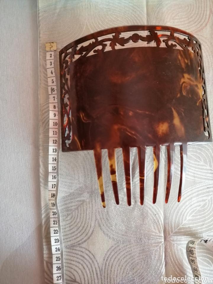 Antigüedades: Peineta modernista tallada a mano. 1920 - Foto 4 - 172289585