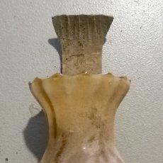 Antigüedades: NUMULITE APLIQUE DE PARED DE HIERRO CON TULIPA DE CRISTAL ELECTRIFICADO. Lote 172297632