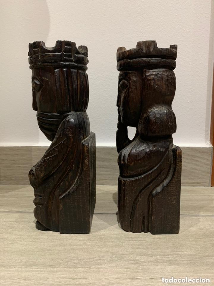 Antigüedades: Sujeta libros Rey y Reina de madera - Foto 2 - 172307774