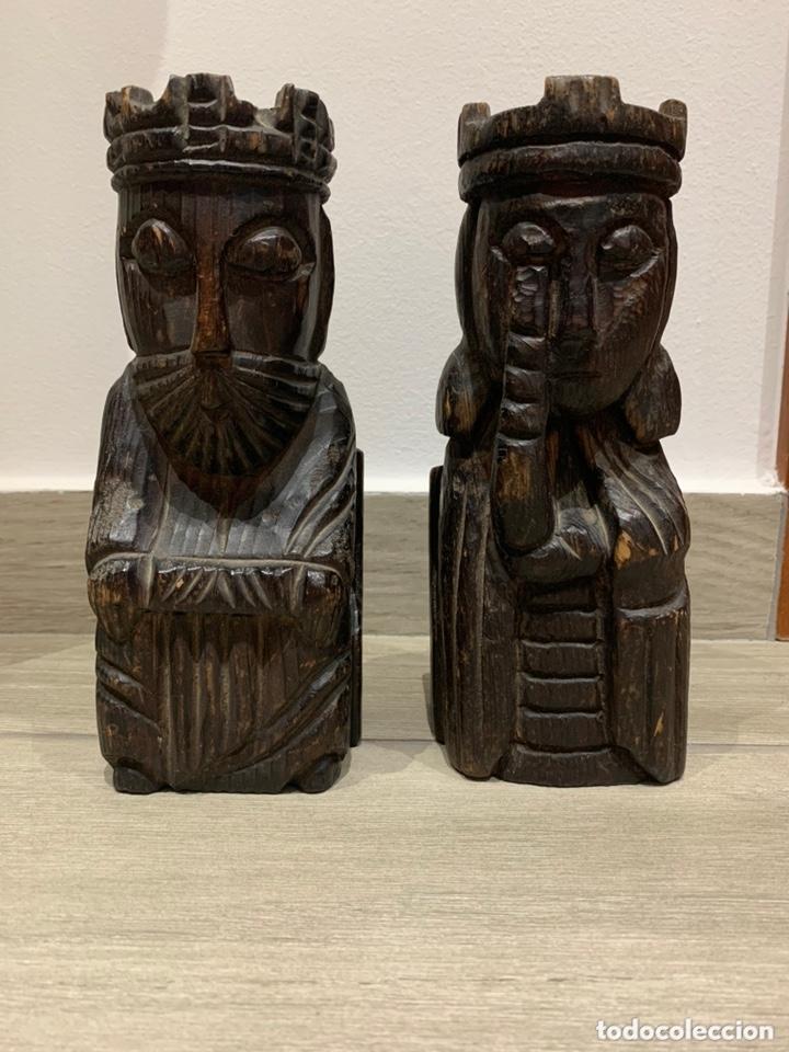SUJETA LIBROS REY Y REINA DE MADERA (Antigüedades - Hogar y Decoración - Otros)