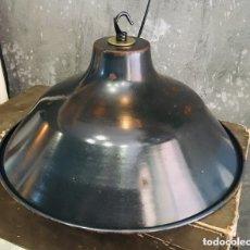 Antigüedades: LAMPARA DE TALLER INDUSTRIAL FABRICA ESMALTADA VINTAGE LOFT ATELIER Ø31CM DESEMBALAJE DE LAMPARAS. Lote 172309564