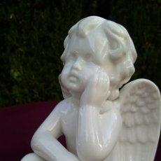 Antigüedades: ANTIGUO ANGEL DE PORCELANA ESMALTADA. MANISES.. Lote 172368503