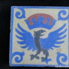 Antigüedades: BONITO AZULEJO BALDOSA RAJOLA DECORADA - AGUILA IMPERIAL -.. Lote 172368680
