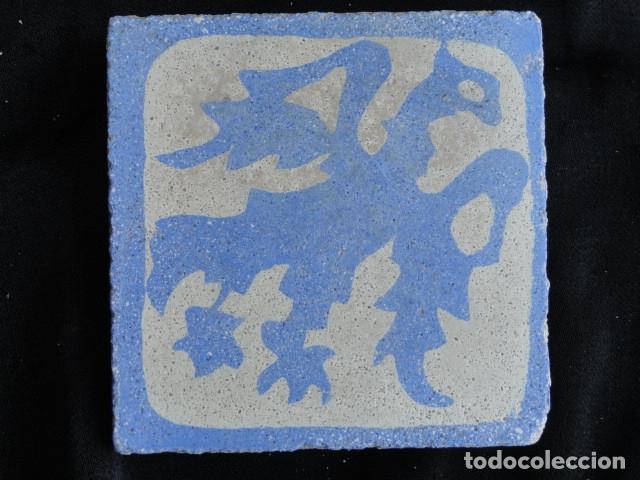 BONITO AZULEJO BALDOSA RAJOLA DECORADA - AGUILA -. (Antigüedades - Porcelanas y Cerámicas - Azulejos)