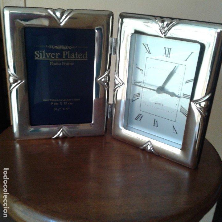Antigüedades: Díptico en plata, con portafotos y reloj quartz - Foto 2 - 172430469