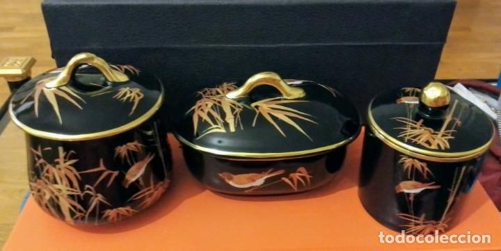 CONJUNTO TRES PIEZAS NEGRO Y DORADO. (Antigüedades - Porcelanas y Cerámicas - San Claudio)