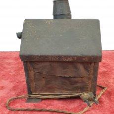 Antigüedades: FAROL DE SEÑALIZACIÓN. METAL. FILTROS DE COLOR EN CRISTAL. CABLE ORIGINAL. SIGLO XIX-XX. . Lote 172464168