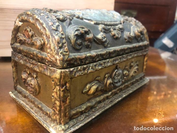 Antigüedades: ANTIGUO JOYERO COFRE REALIZADO EN MADERA SIGLO XIX - MEDIDA 20X11,5X11 CM - Foto 3 - 172521707