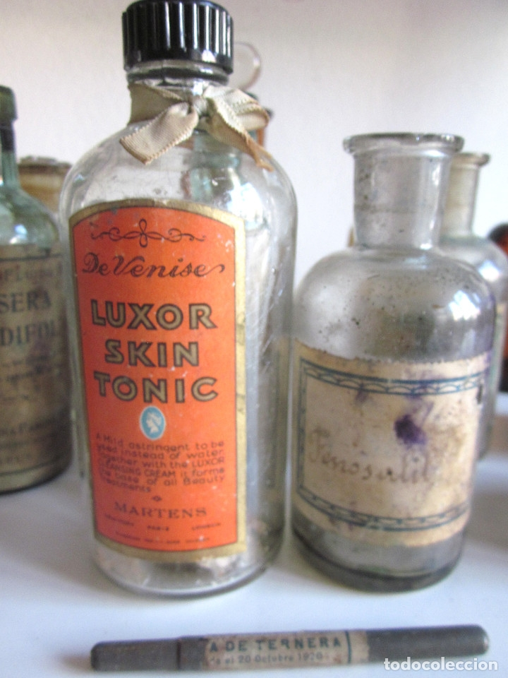 Antigüedades: Excelente lote 17 frascos antiguos cristal farmacia botica y barrita Brull principios siglo XX - Foto 4 - 172614105