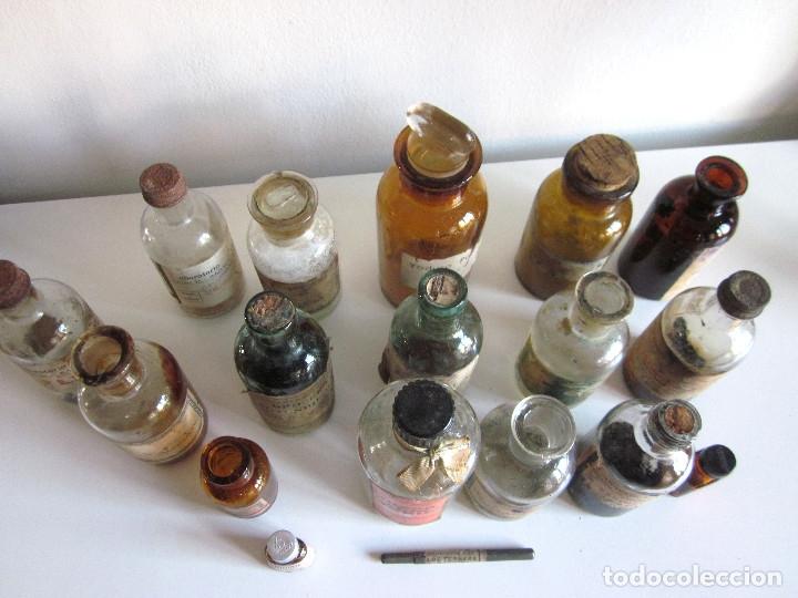 Antigüedades: Excelente lote 17 frascos antiguos cristal farmacia botica y barrita Brull principios siglo XX - Foto 6 - 172614105