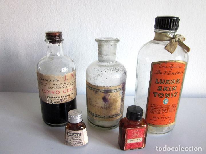 Antigüedades: Excelente lote 17 frascos antiguos cristal farmacia botica y barrita Brull principios siglo XX - Foto 8 - 172614105