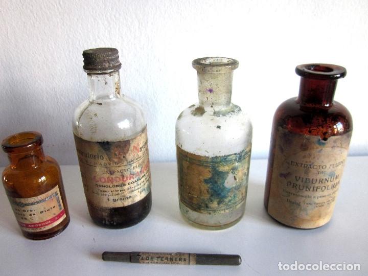 Antigüedades: Excelente lote 17 frascos antiguos cristal farmacia botica y barrita Brull principios siglo XX - Foto 9 - 172614105