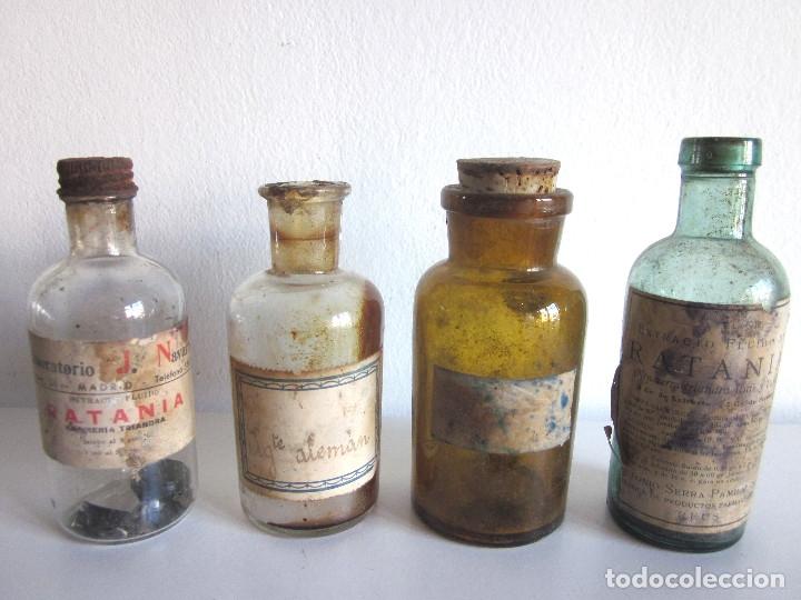 Antigüedades: Excelente lote 17 frascos antiguos cristal farmacia botica y barrita Brull principios siglo XX - Foto 10 - 172614105