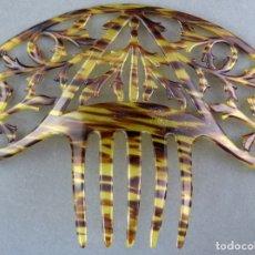 Antigüedades: PEINA PEINETA EN CELULOIDE CALADO AÑOS 40. Lote 172614784