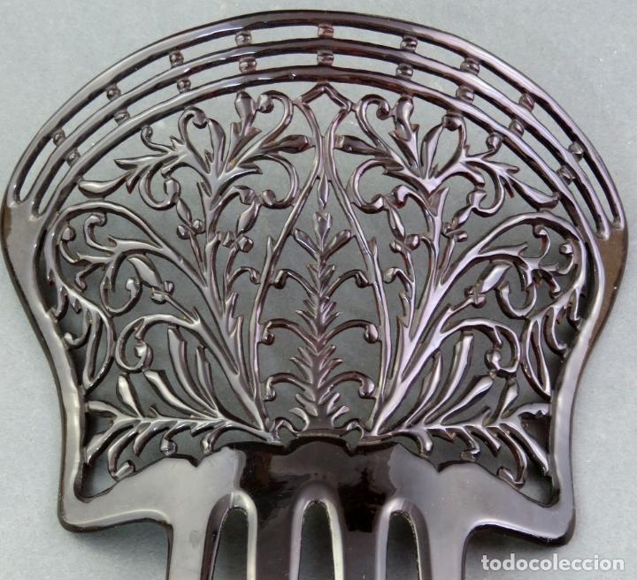 Antigüedades: Peina peineta modernista en celuloide calado hacia 1920 - Foto 2 - 172615232