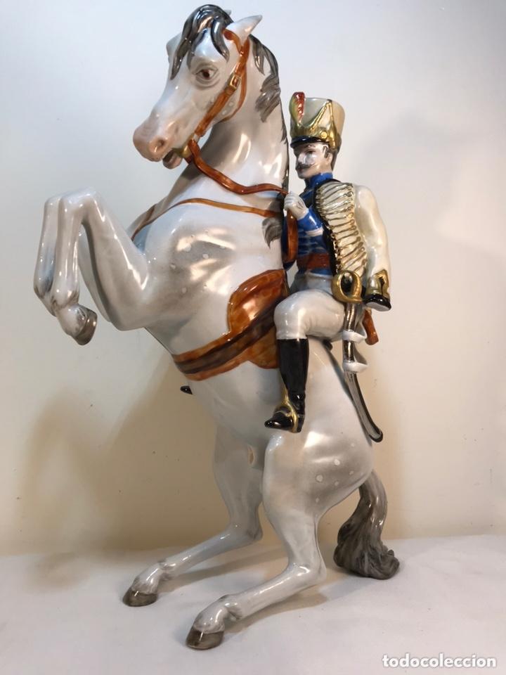 Antigüedades: Figura Porcelana- Álvarez- Jinete Caballo Rampante- 30 cm - Foto 9 - 172636234