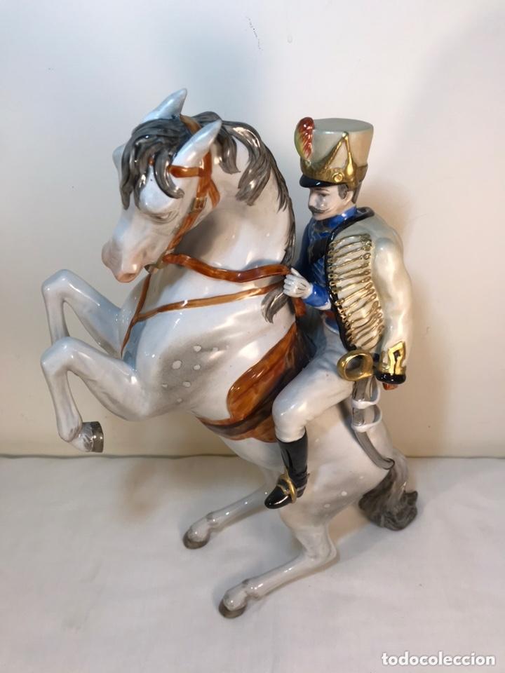 Antigüedades: Figura Porcelana- Álvarez- Jinete Caballo Rampante- 30 cm - Foto 10 - 172636234