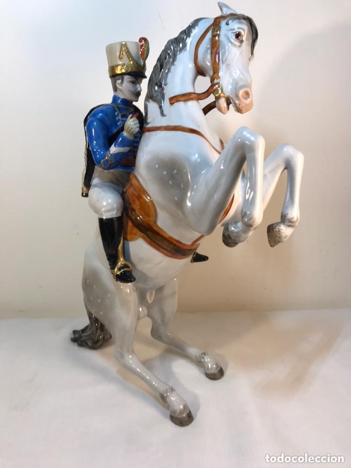 Antigüedades: Figura Porcelana- Álvarez- Jinete Caballo Rampante- 30 cm - Foto 21 - 172636234