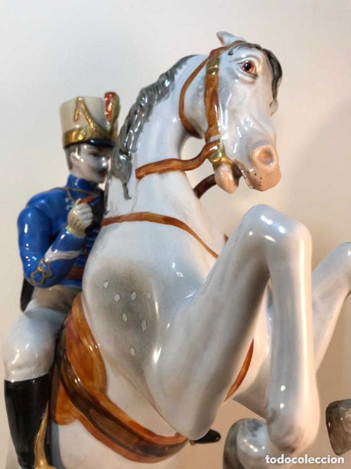 Antigüedades: Figura Porcelana- Álvarez- Jinete Caballo Rampante- 30 cm - Foto 27 - 172636234