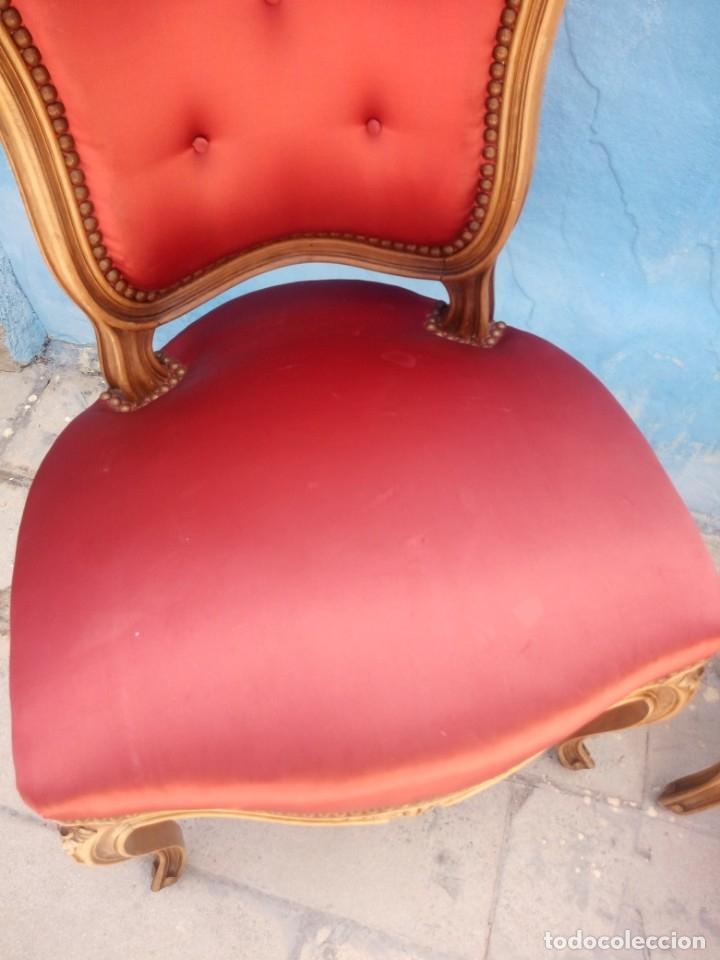 Antigüedades: Antigua pareja de sillas de roble talladas,isabelinas,tapizado de raso rojo ,de muelles,siglo xix - Foto 6 - 172637758